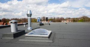 Les éléments à savoir sur la toiture plate : installation et caractéristiques