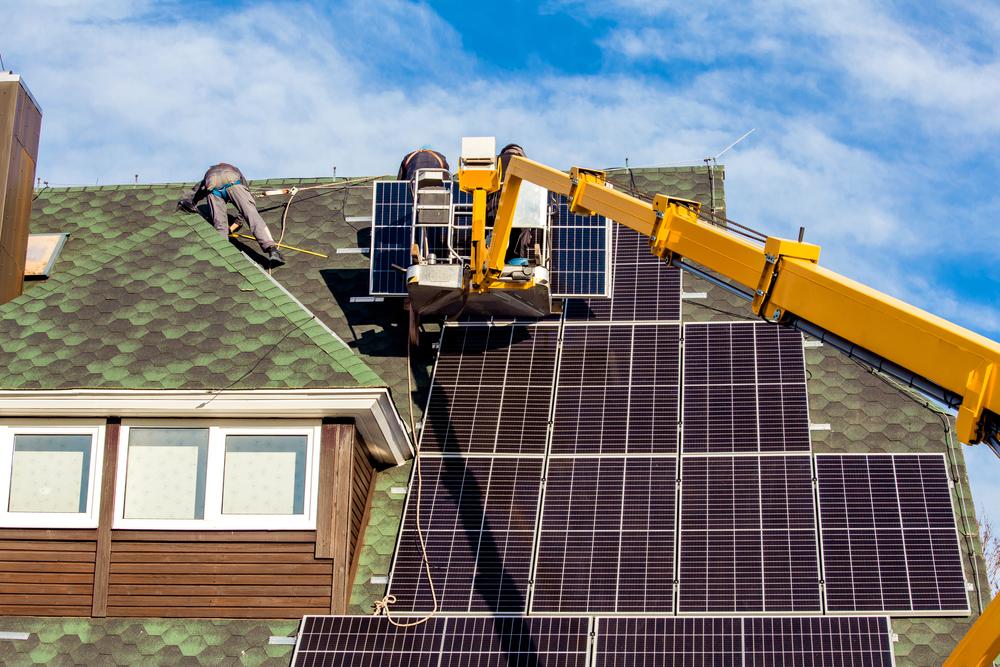 centrales photovoltaïques sur une toiture
